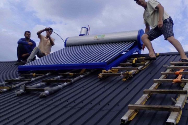 Встановлення сезонної системи для підігріву води на 200 л на базі відпочинку в с.Світязь