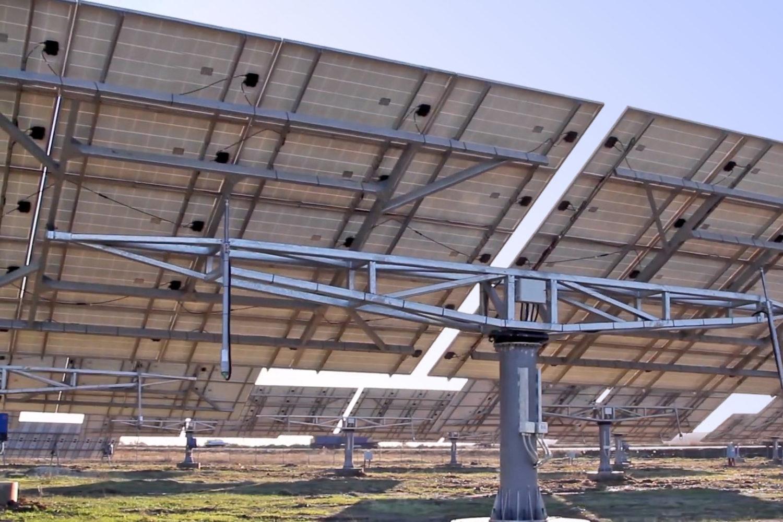 Сонячні електростанції на трекерах