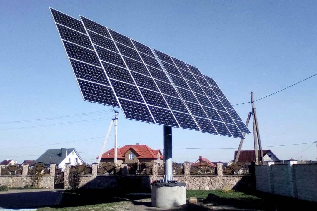 Будівництво та монтаж сонячної електростанції на двовісних трекерах